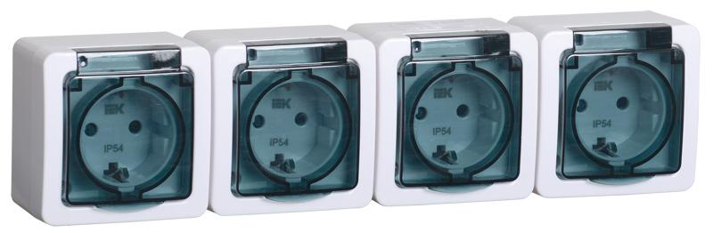 Розетка 4-местная для открытой установки РСб24-3-ГПБд с заземляющим контактом IP54 ГЕРМЕС PLUS дымчатый IEK