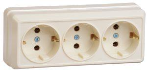 Розетка 3-местная для открытой установки РС23-3-ОК с заземляющим контактом 16А ОКТАВА кремовый IEK